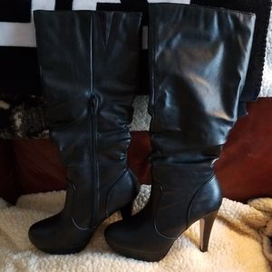 Tall boots size 7